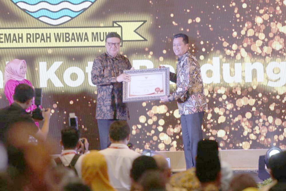 Pemkot Bandung 30 Terbaik Terbaik Pengelolaan Pengaduan Pelayanan Publik