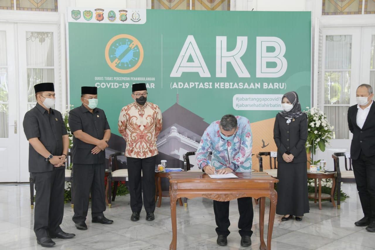 Pemprov Jabar Adakan Perjanjian Pinjaman Daerah dengan PT Sarana Multi Infrastruktur