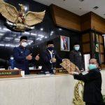 Rapat Paripurna  DPRD  Prov. Jabar Setujui APBD Murni TA 2021